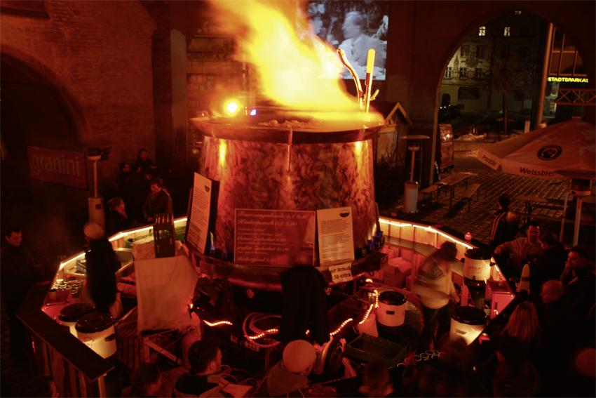 Die Kessel GbR - Die größte Feuerzangenbowle der Welt - wikipedia ...